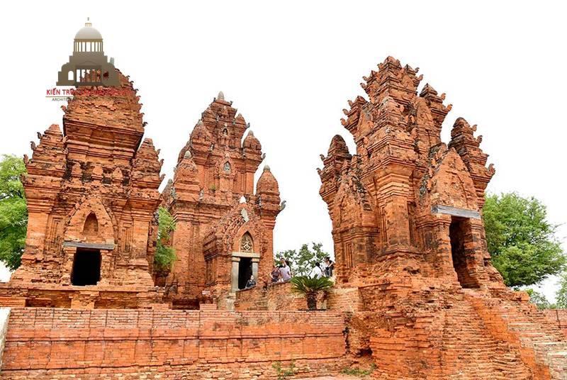 Kiến Trúc Chăm Pa Phong Cách Muộn Tháp Po Klaung Garai