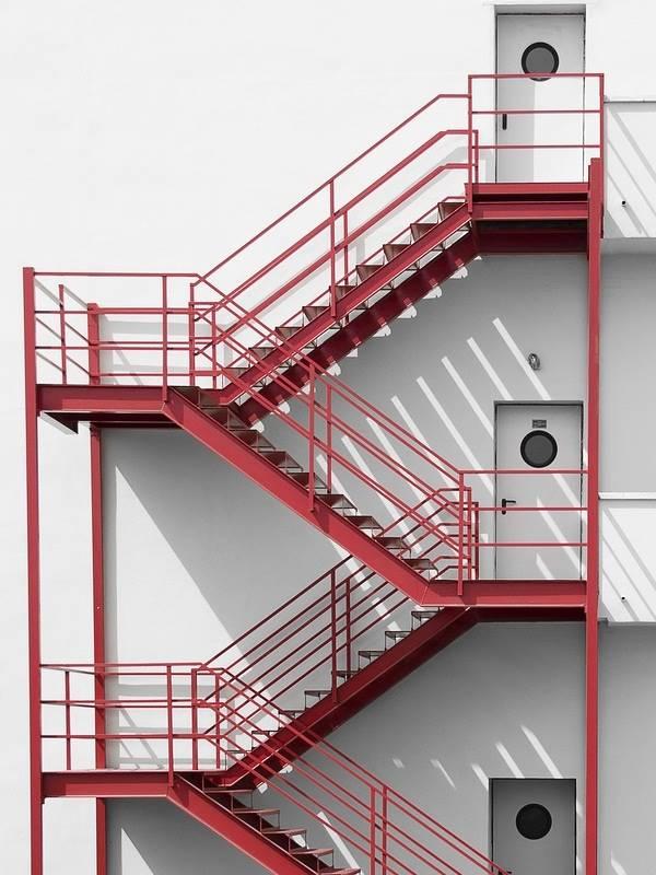 Tiêu chuẩn thiết kế thang thoát hiểm nhà cao tầng, chung cư 2