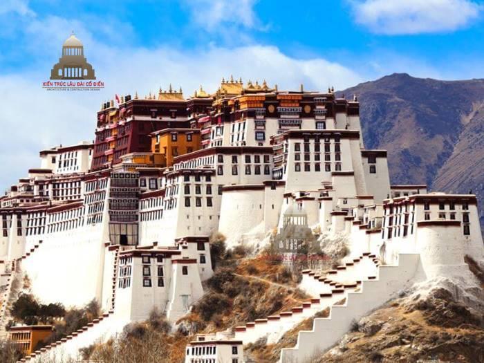 Kiến trúc cổ đại phương đông cung điện Potala tại Tây Tạng